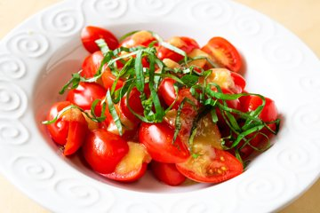 Picture of Roasted Garlic Tomato Salad